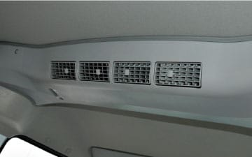 Van Ambacar Shineray X30 para 8 pasajeros doble aire acondicionado