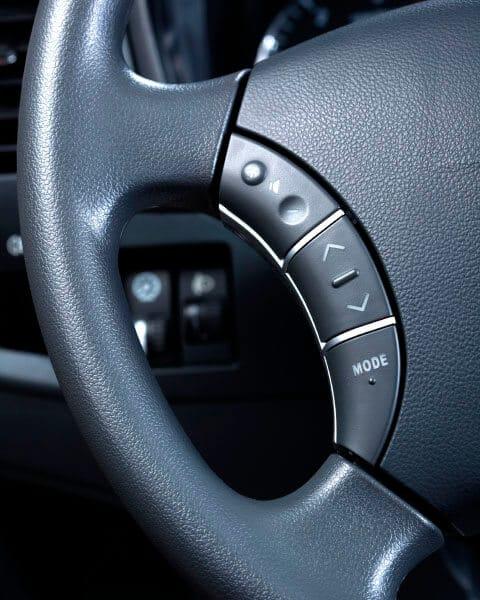 Camioneta Great Wall Wingle 5 control del radio en el volante de cuero