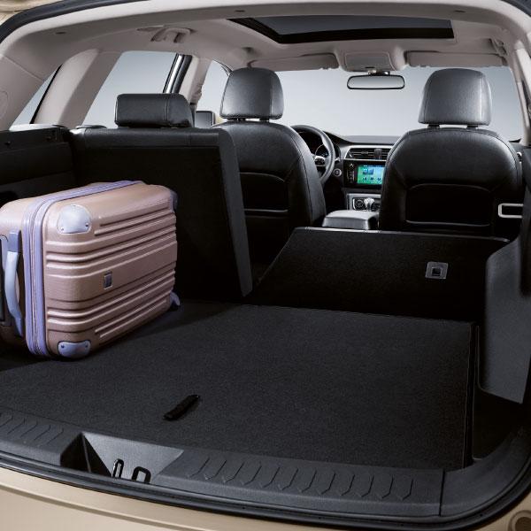 SUV Zotye T600 gran espacio en el maletero