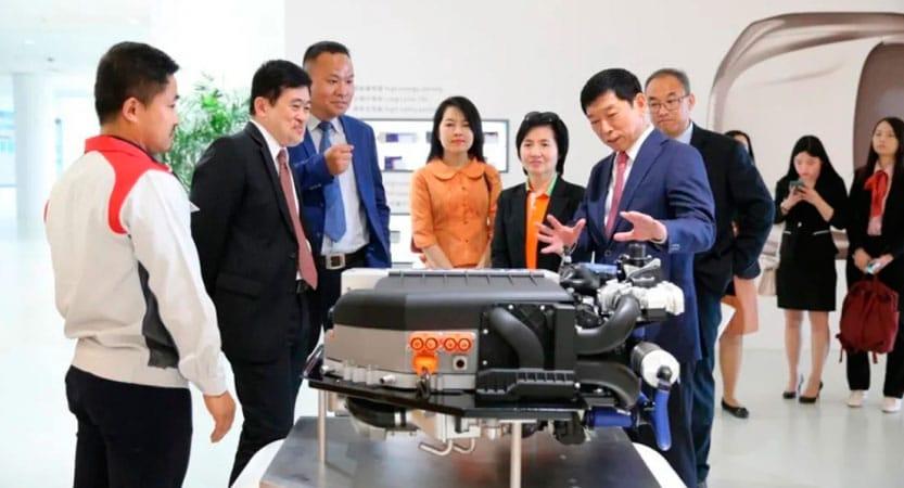 Embajador de Tailandia y su delegación en la planta inteligente de Great Wall Motors