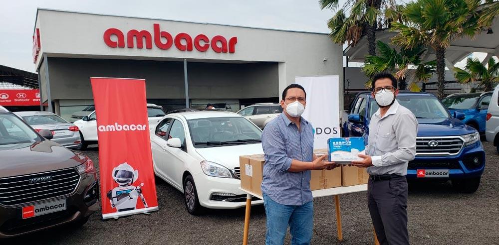 Noticias Ambacar, donación de mascarillas en concesionario Manta