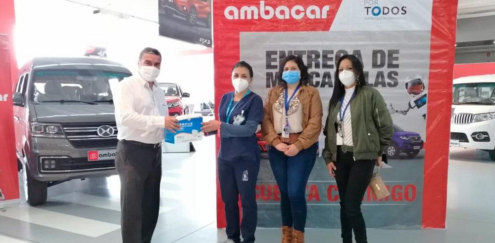 Noticias Ambacar, donación de mascarillas en concesionario Quicentro Sur Quito