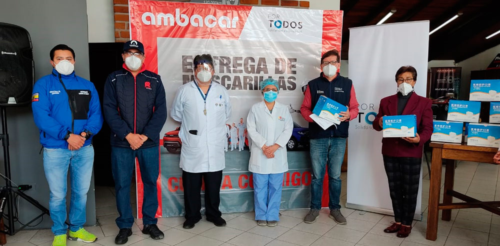 Noticias Ambacar, donación de mascarillas en concesionario Riobamba