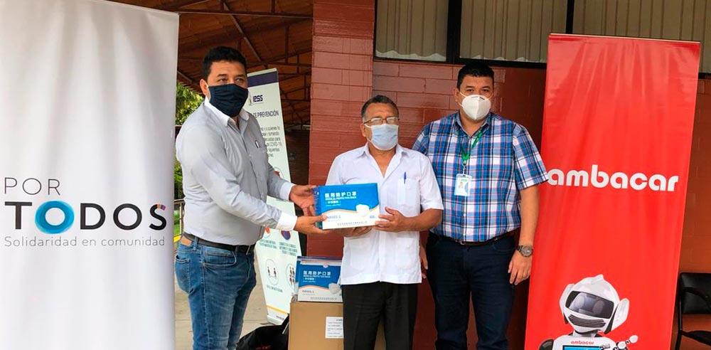 Noticias Ambacar, donación de mascarillas en concesionario Tena