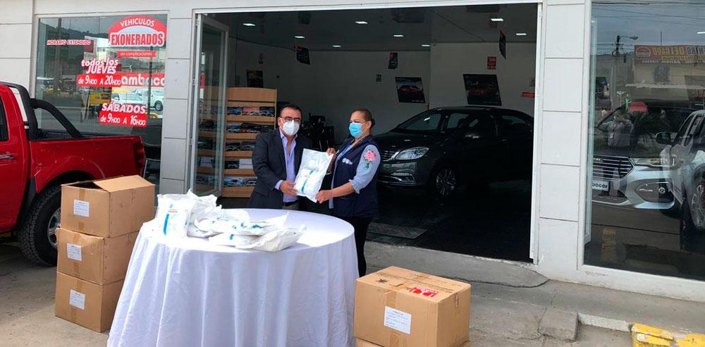 Donación de Ambacar de trajes de bioseguridad en Agencia Esmeraldas