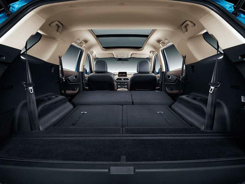 SUV Ambacar DFSK Glory 560 con asientos abatibles