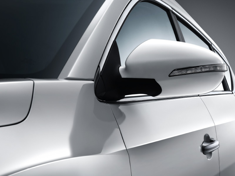 SUV DFSK Glory 580 luz direccional en espejo retrovisor