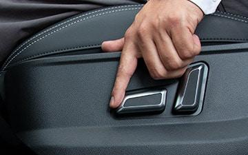 SUV Ambacar H6 tercera generación asientos eléctricos