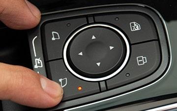 SUV Ambacar H6 tercera retrovisores eléctricos
