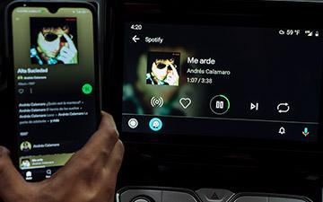 Camioneta Ambacar POER doble cabina radio con pantalla